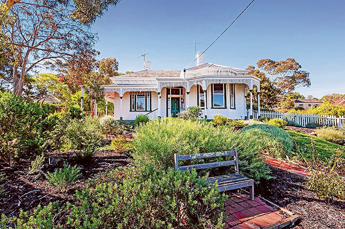 Historic place: Mossgiel in Bath St, Mornington, is on the market for the first time since the early 1960s. Picture courtesy Nicholas Lynch real estate