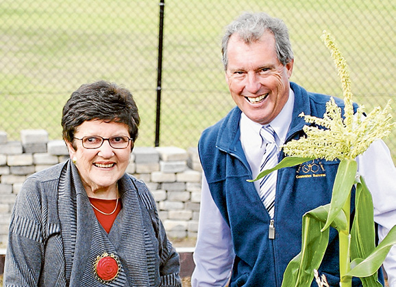 Peninsula days: Joan Kirner and Eastbourne Primary School principal Stephen Wilkinson in 2011. Picture: Yanni