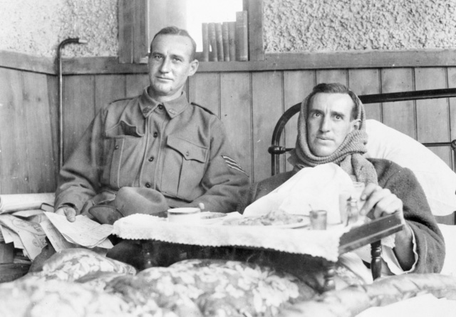 Hugo Throssell (right) and brother Ric in October 1915, recovering from wounds received at Gallipoli.