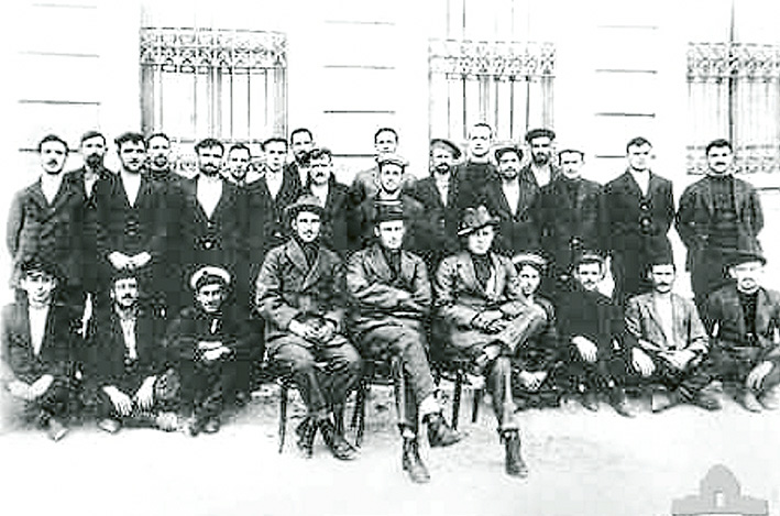 The AE2 crew at Belemedik POW camp.